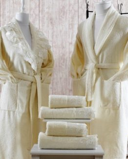 Minteks Cream-WhiteBathrobe set (Oya)