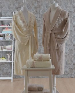 Minteks Romantic 6 PieceFamily Bathrobe set Anastasia