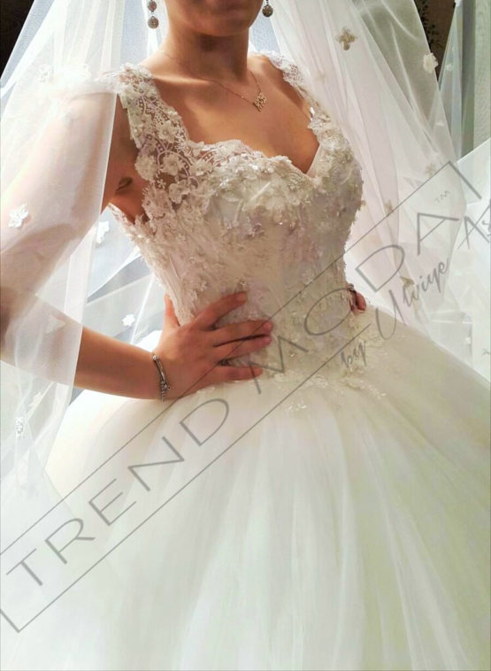 Wedding Dress Model G102