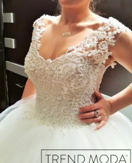 Wedding Dress Model G106