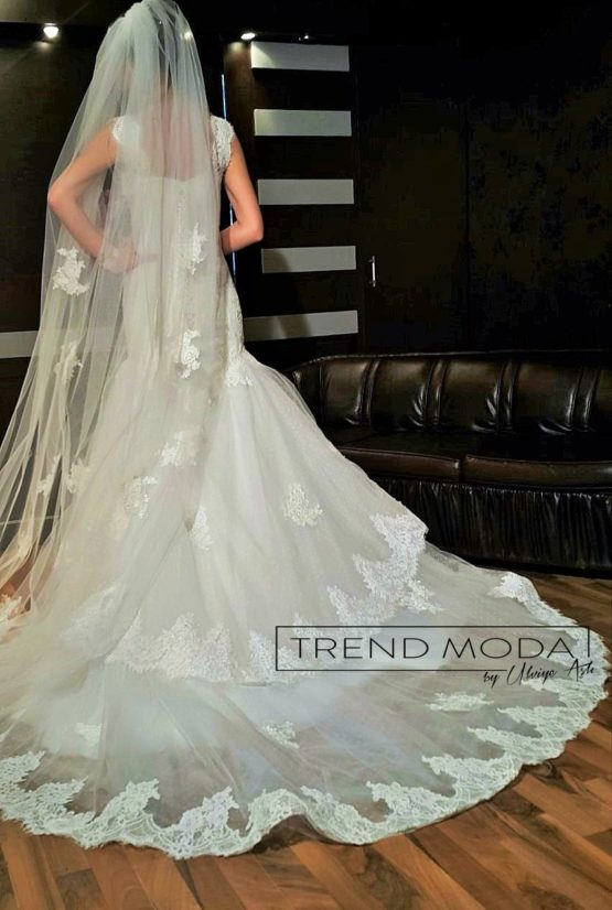Wedding Dress Model G111